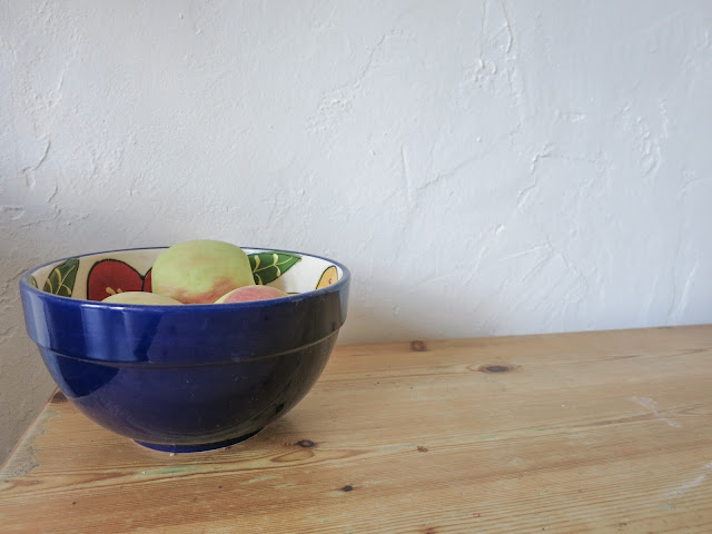 Fruitbowl on a wooden table