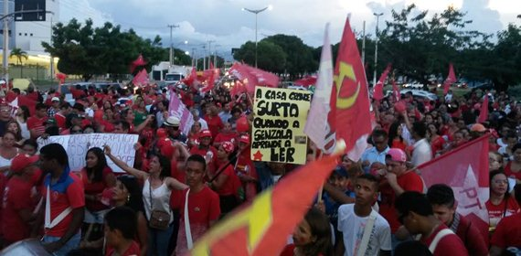 Militantes do Cariri vão as ruas protestar contra impeachment