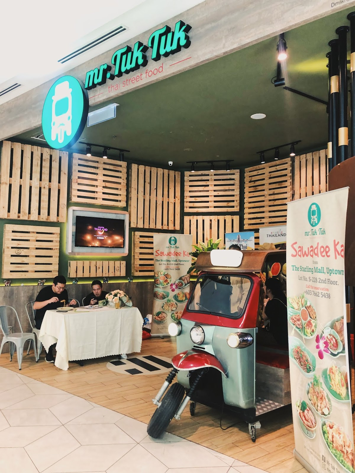 EAT THAI, VISIT THAILAND 2019 - Reiko The Rainbow Girl