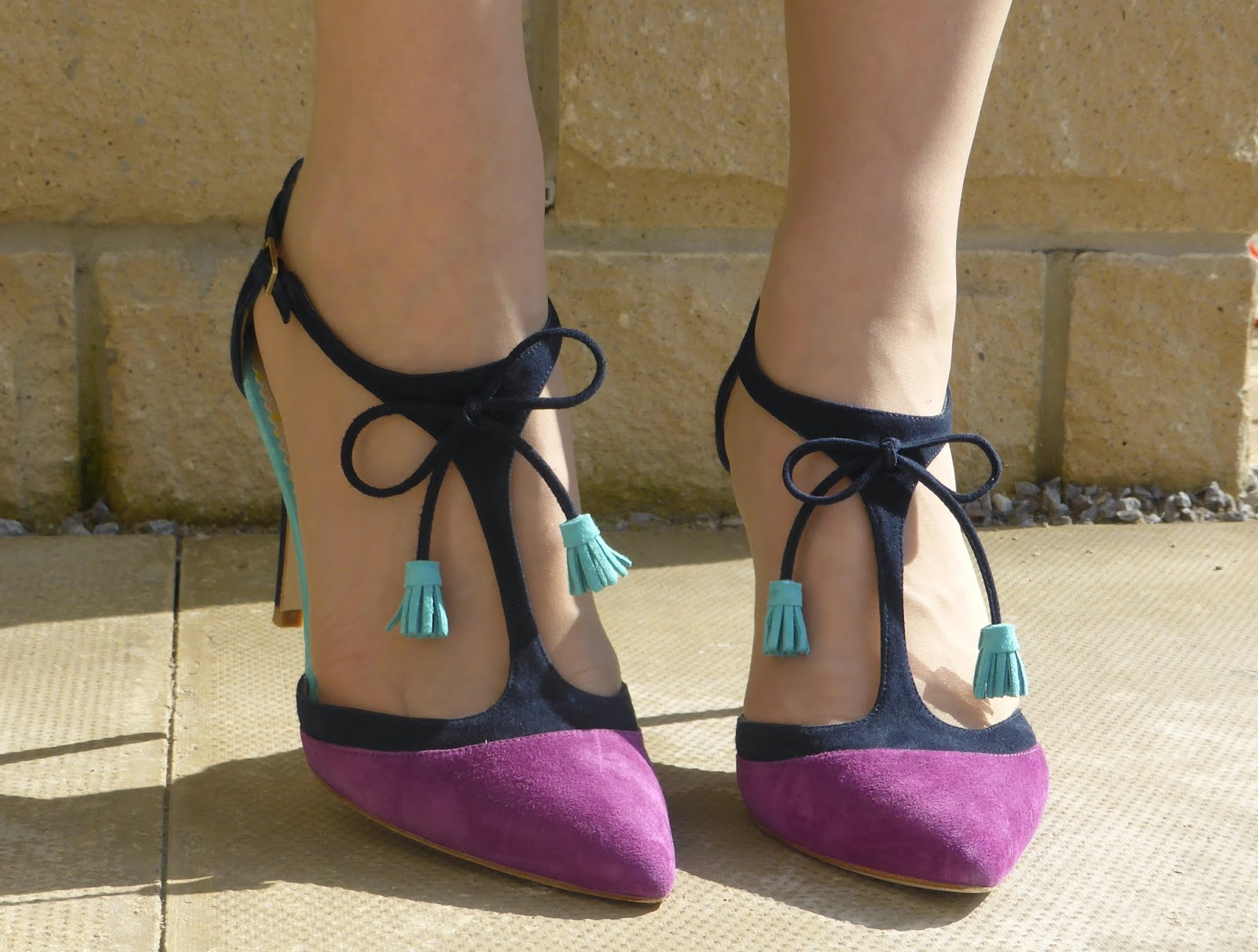 What Lizzy Loves, 40 plus blogger. Boden Alice shoes. Navy, magenta with tassels