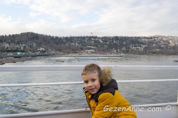 Pierre Loti dönüşü motorda deniz havası alan oğlum, İstanbul