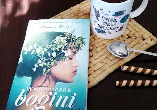 http://mamadoszescianu.blogspot.com/2017/02/wspoczesna-bogini-roxana-bowgen.html