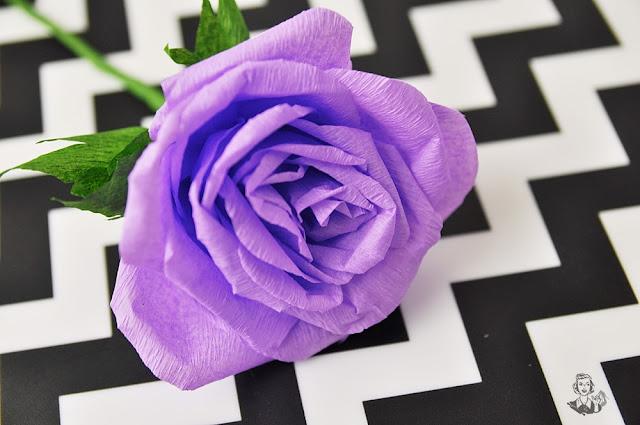 Róże z krepy Matki Polki Fanaberie
