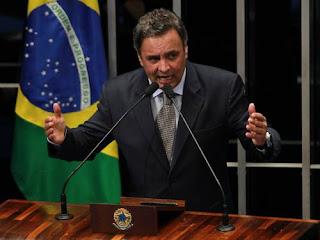 Mídia nacional destaca coragem de Aécio Neves como líder da oposição