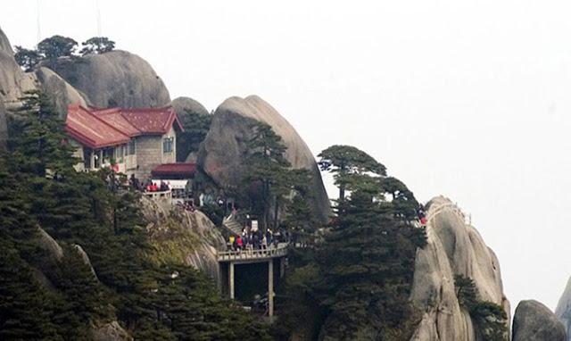 इस होटल में जाने के लिए चढ़नी पड़ती हैं 60 हजार सीढ़ियां... - newsonfloor.com