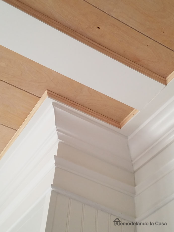 Rustic ceiling installation - little molding detail