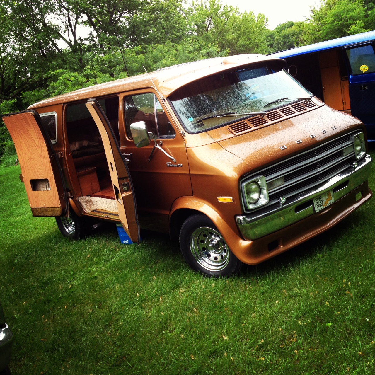 It Focuses On The Diy Aspect That Has Always Been Present In Vanning Featuring Progress Builds And Finished Show Vans Alike Custom