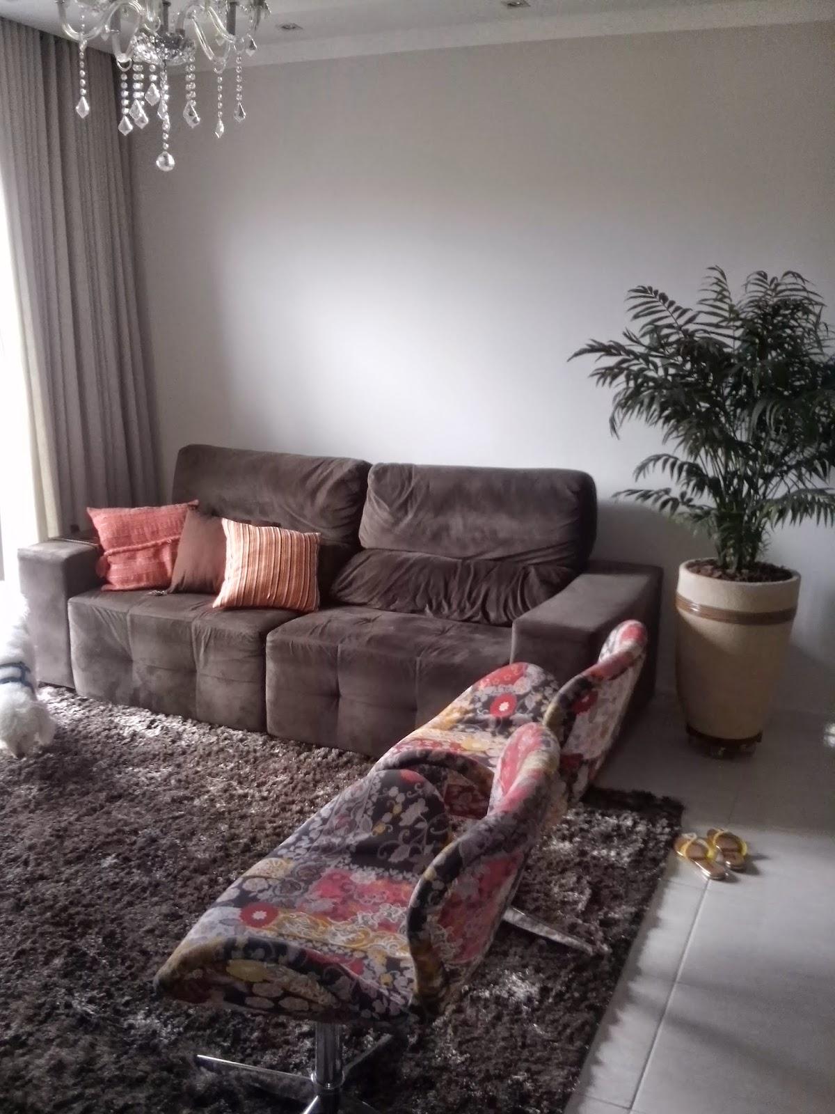 Sofa Marrom Combina Com Que Cor De Tapete Combinando Almofadas Em  -> Sala Cinza Com Sofa Marrom