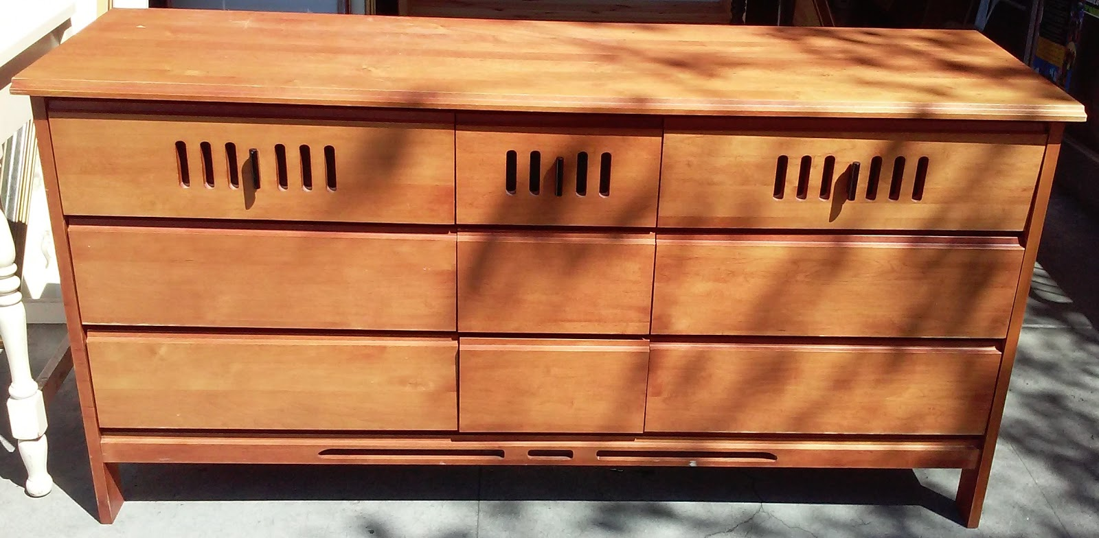 Uhuru Furniture Collectibles Sold 5 39 Cherry Finish