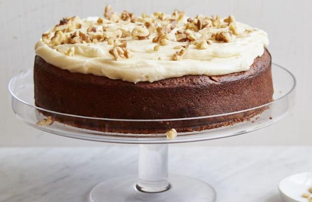 BEST EVER BANANA CAKE WITH CREAM CHEESE