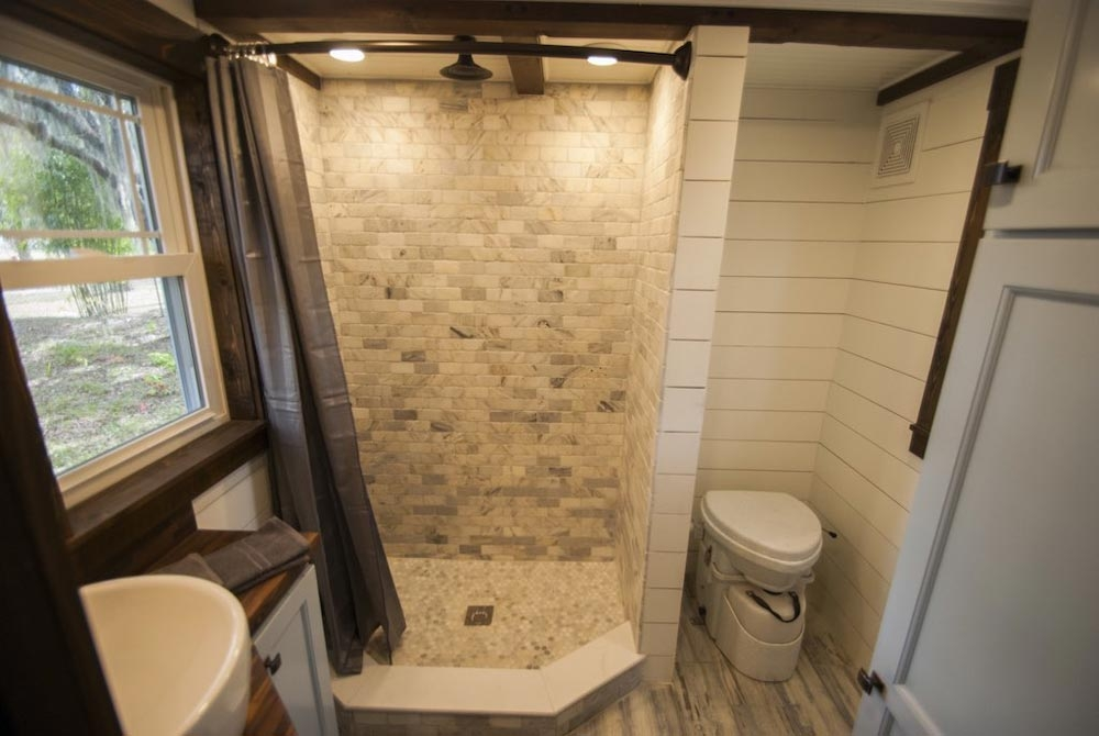 10-Shower-Room-Composting-Toilet-Adam-Lehman-Architecture-with-Tiffany-the-Tiny-Home-on-Wheels-www-designstack-co