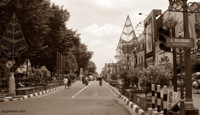 Jarak antara Kota Jakarta, Bogor, Bandung, Surabaya, Yogyakarta, Medan