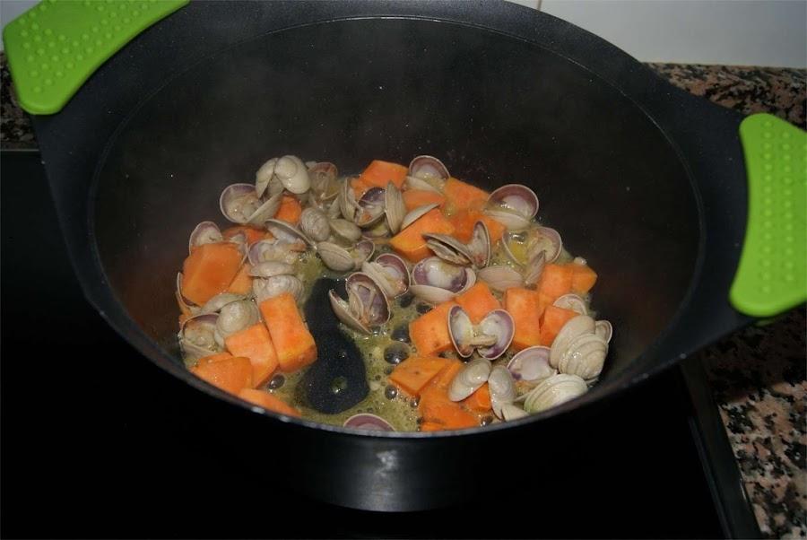 Sopa de frutos del mar paso 2