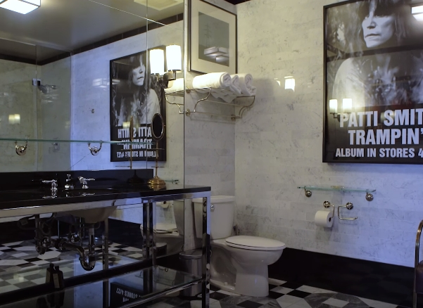 Johnny Depp Amber Heard home bathroom