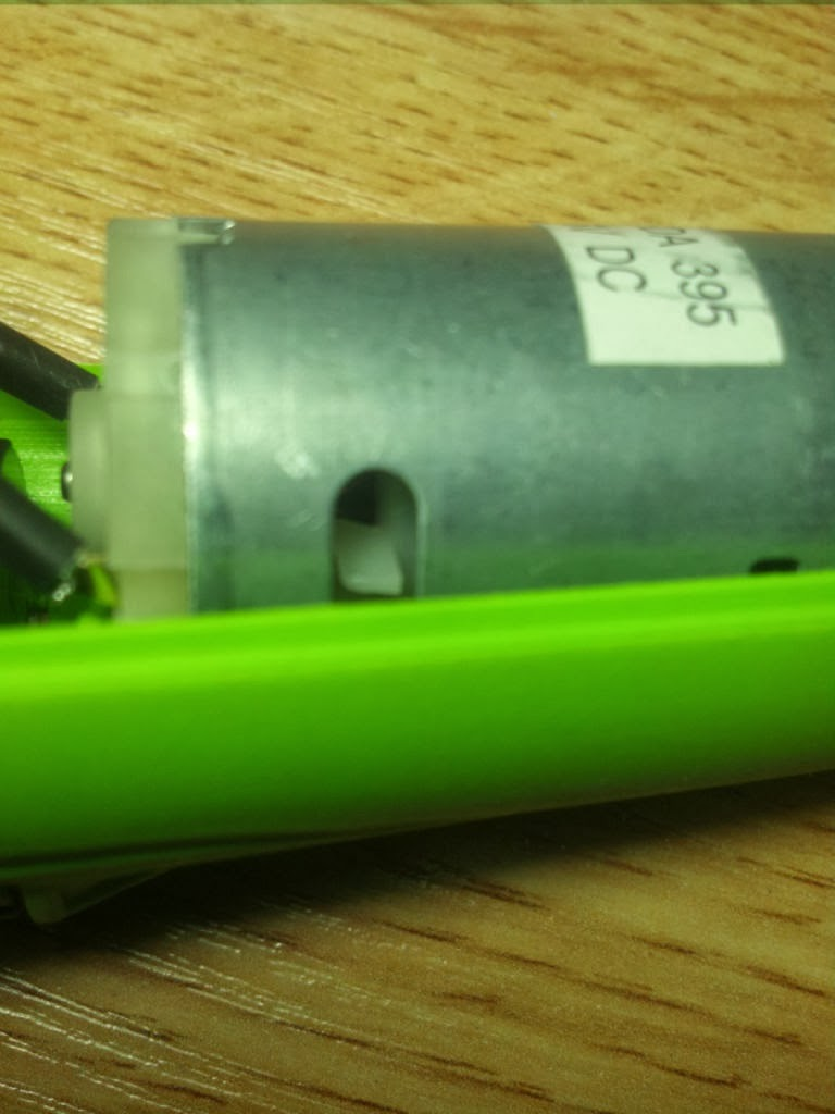 Multiszlifierka akumulatorowa z Biedronki rozebrana