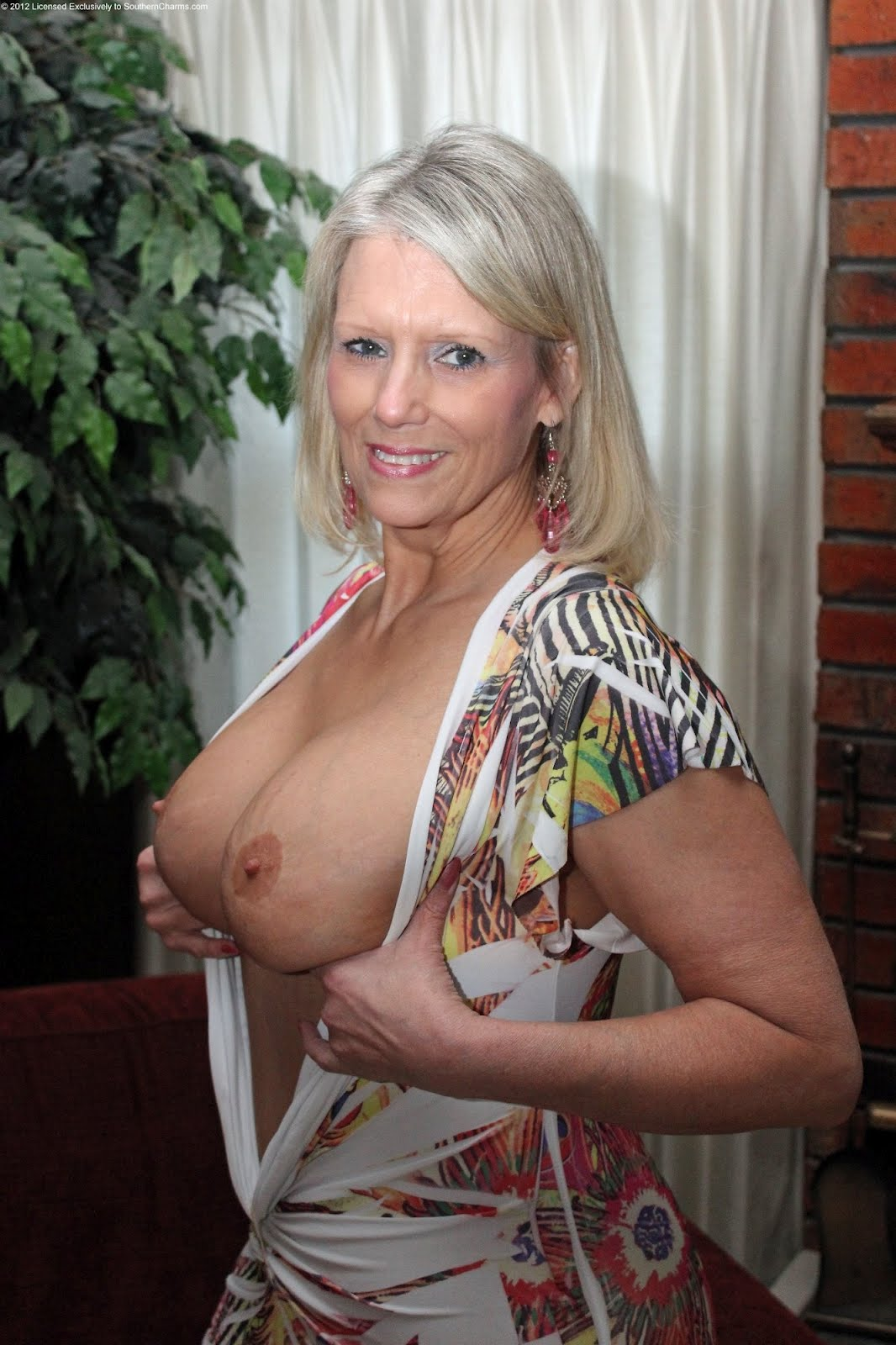Experience wide range sex with a melbourne milf today