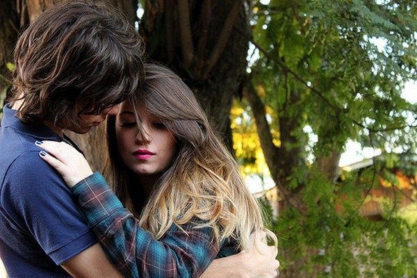 Best Romantic Love Shayari On Beautiful Face, Eye & Smile For Girlfriend