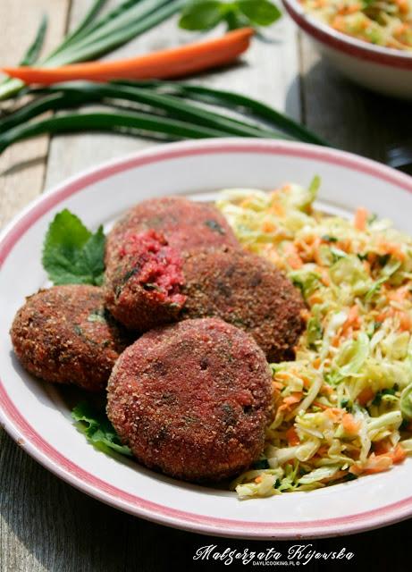 kotlety bezmięsne, wegetariańskie kotleciki, obiad, surówka z młodej kapusty, daylicooking, Małgorzata Kijowska