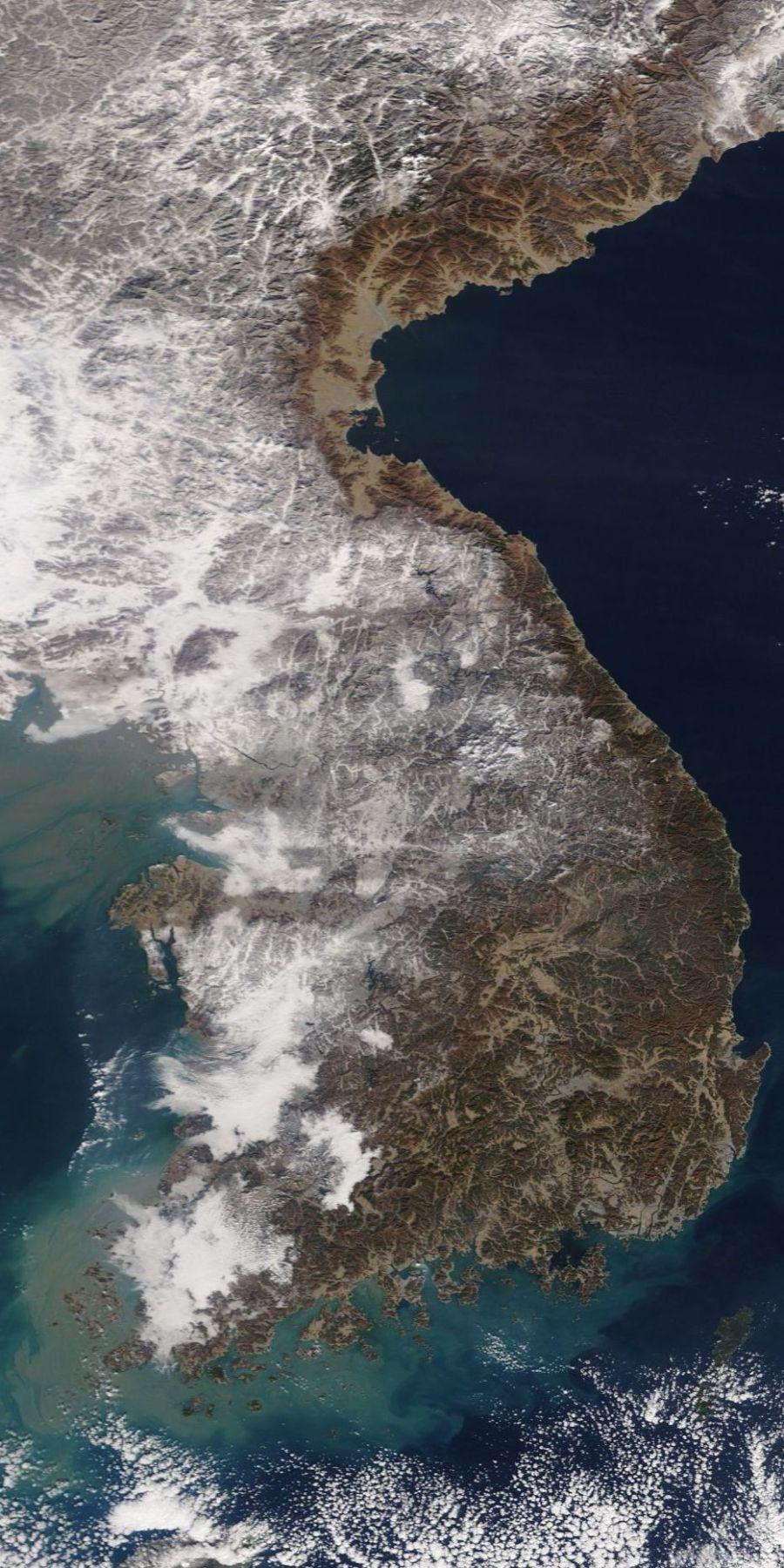 최신 한반도 위성 사진