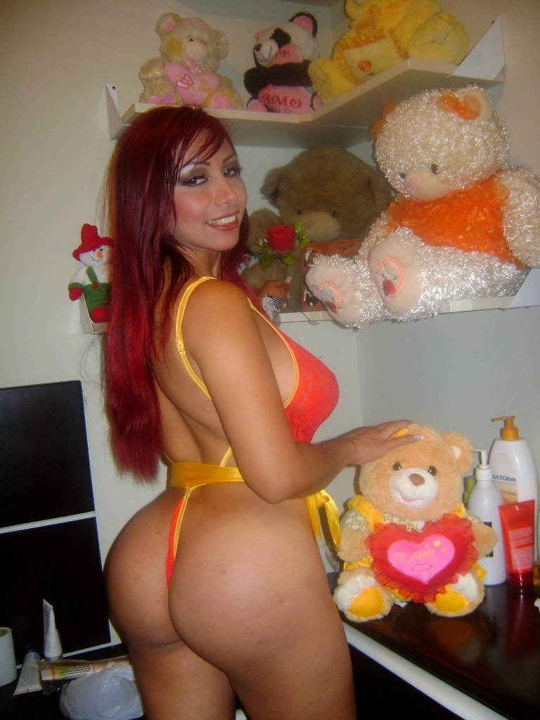 sexy hot yoga pants girl topless