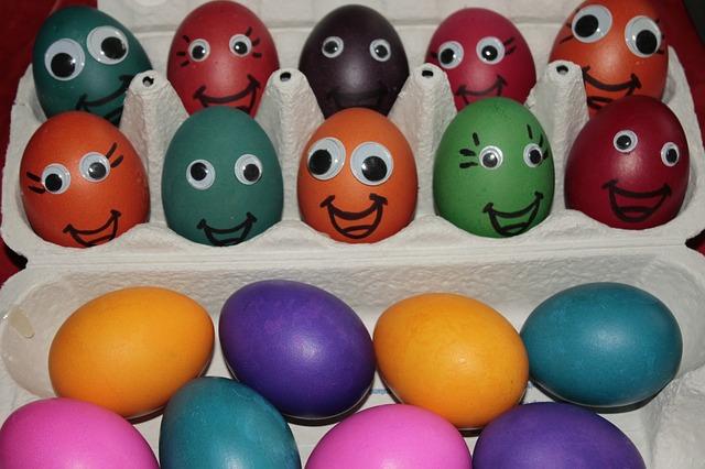 7  τρόποι για να βάψεις τα Πασχαλινά αυγά μαζί με τα παιδιά