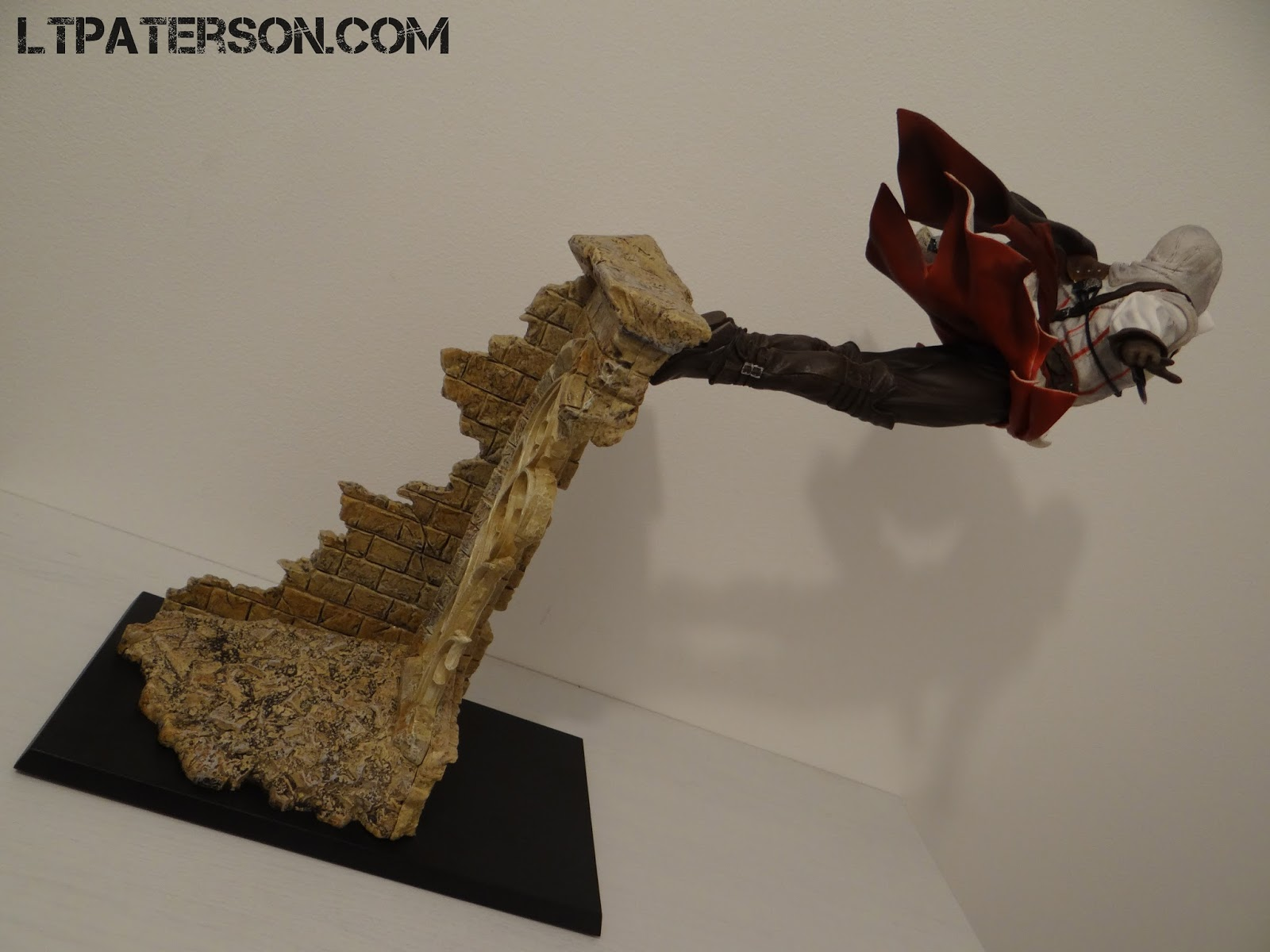 d ballage figurine ezio leap of faith assassin 39 s creed 2 blog jeux video pc. Black Bedroom Furniture Sets. Home Design Ideas