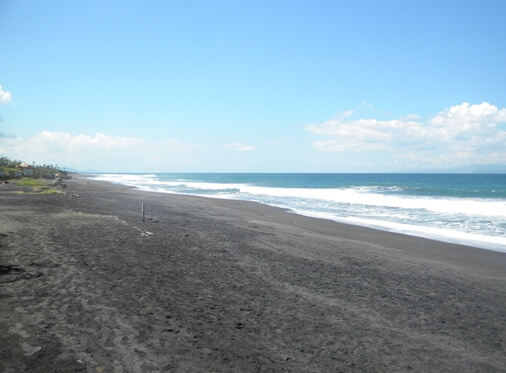 The beaches inwards Bali presents itself equally a magnet BaliBeaches: Purnama Beach Bali - H5N1 Peaceful Rural Oceanfront in addition to Magnificent Sea View