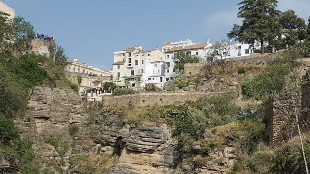 Murallas, Puente Viejo,  Pueblos Blancos, Ronda, Málaga, Andalucía, Elisa N, Blog de Viajes, Lifestyle, Travel