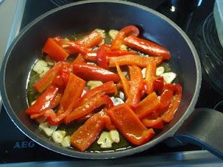preparación de la salsa para pechugas