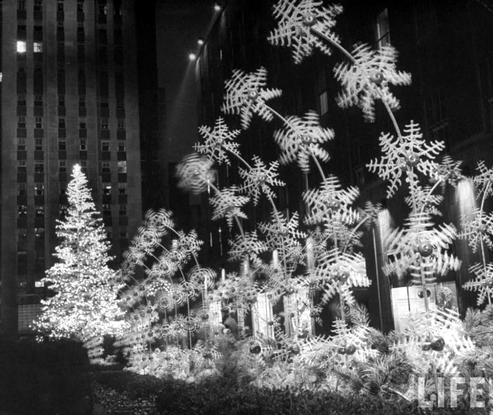 Christmas Tree In Ny: The 1949 Rockefeller Center Tree Was The Craziest