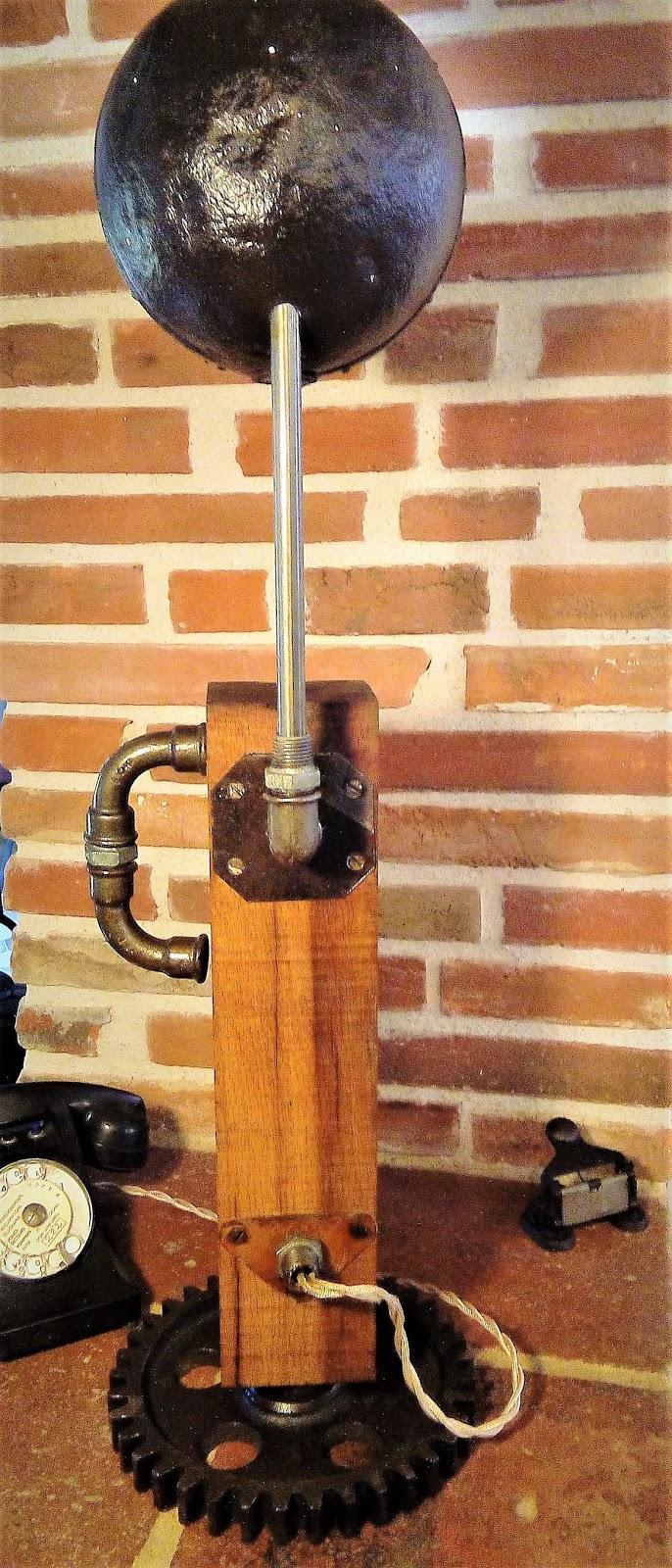 meubles et objets de d coration style industriel lampe style industriel steampunk 125 euros. Black Bedroom Furniture Sets. Home Design Ideas