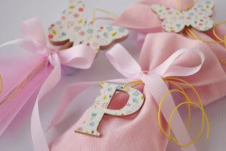 μπομπονιέρες και διακόσμηση βάπτισης κοριτσάκι πεταλούδες και λουλουδάκια
