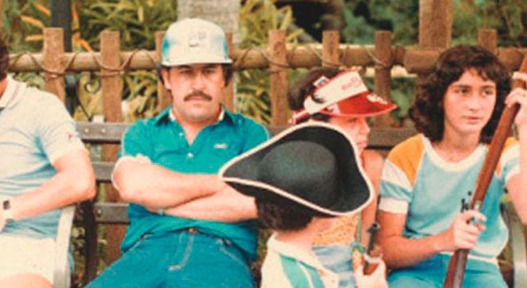 El día que Escobar visitó Disney y temió a la montaña rusa