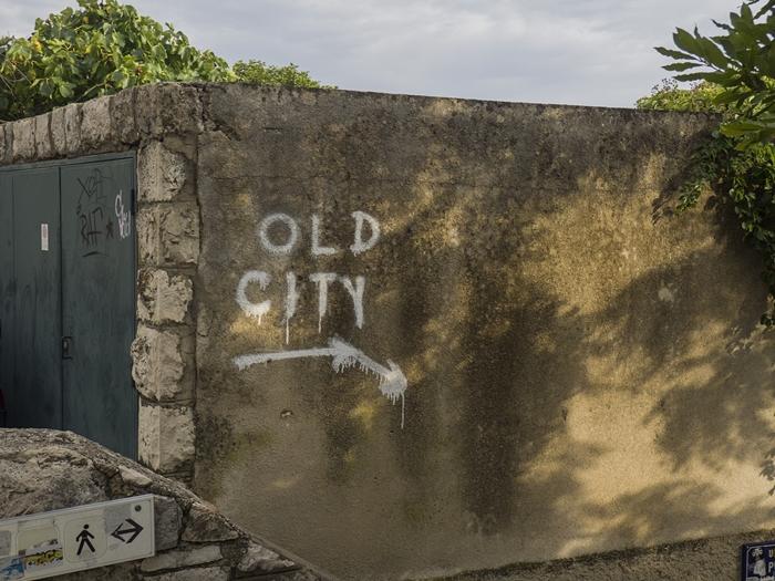 jak dojść do starego miasta
