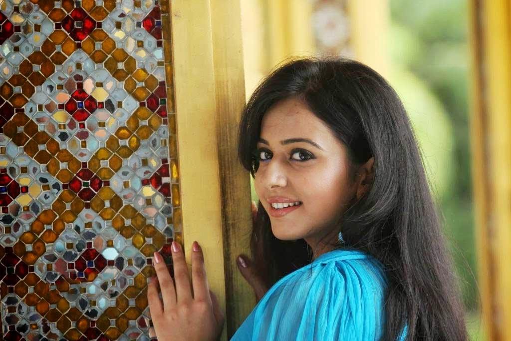 Rakul Preet Singh Cute Hd Wallpaper Free - Actress