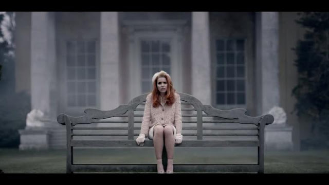 Video: Paloma Faith - Picking Up the Pieces