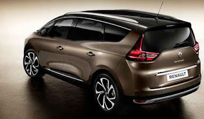 2017 Renault Grand Scenic MPV rear look Images
