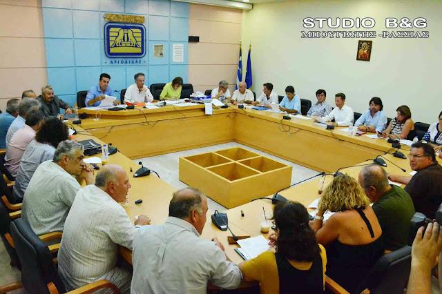 Συνεδριάζει με 11 θέματα το Δημοτικό Συμβούλιο στο Ναύπλιο