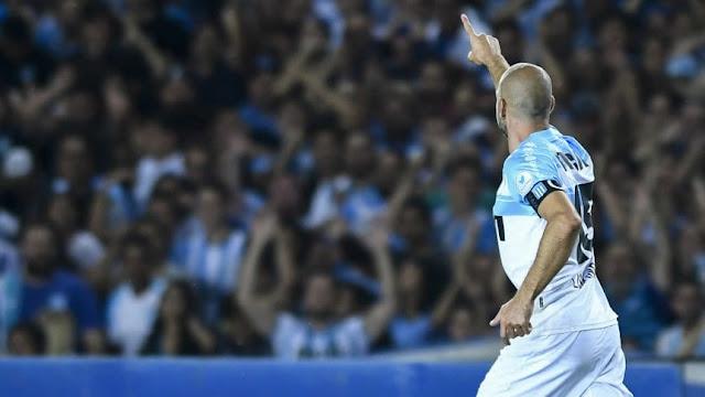 Superliga: Racing le ganó a Belgrano y conservó la punta en soledad a dos fechas del final.