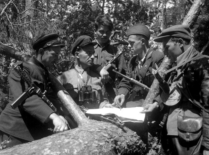 faschismus italien spanien unterschied