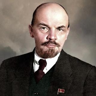 Vladimir Ilich Uliánov, Volodia para sus amigos.