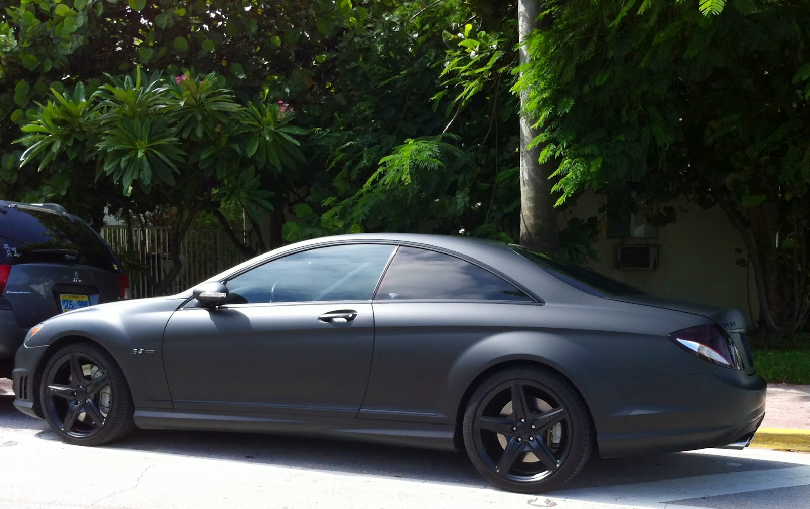 matte black mercedes cl 63 with black rims exotic cars on the streets of miami. Black Bedroom Furniture Sets. Home Design Ideas