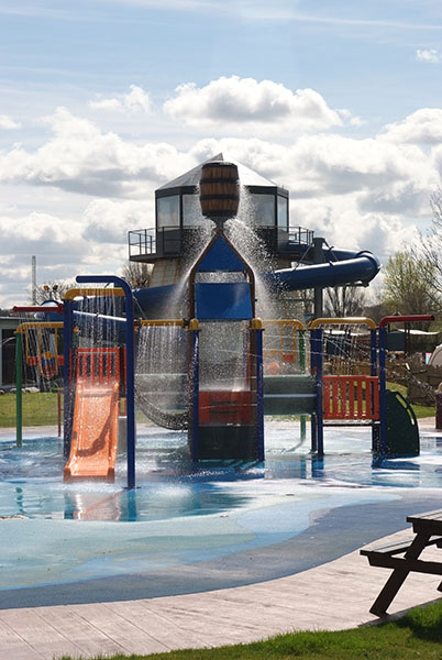 20 of the Best Places to Stay near Flamingo Land - Flamingo Land Resort Splash Pool