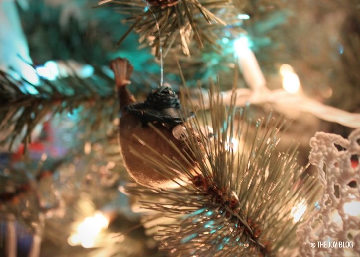 Christmas Ornament | My Favorite Holiday Season // WWW.THEJOYBLOG.NET