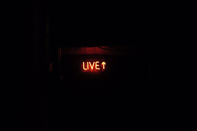 """Neon """"Live"""" Sign"""