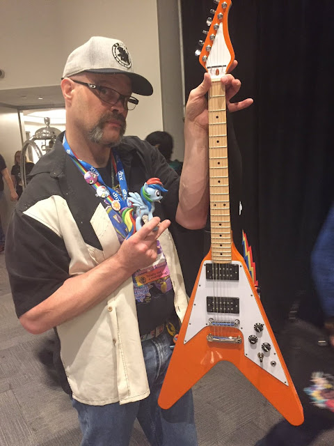 equestria daily mlp stuff craft dustykatt builds electric guitar from the ground up. Black Bedroom Furniture Sets. Home Design Ideas