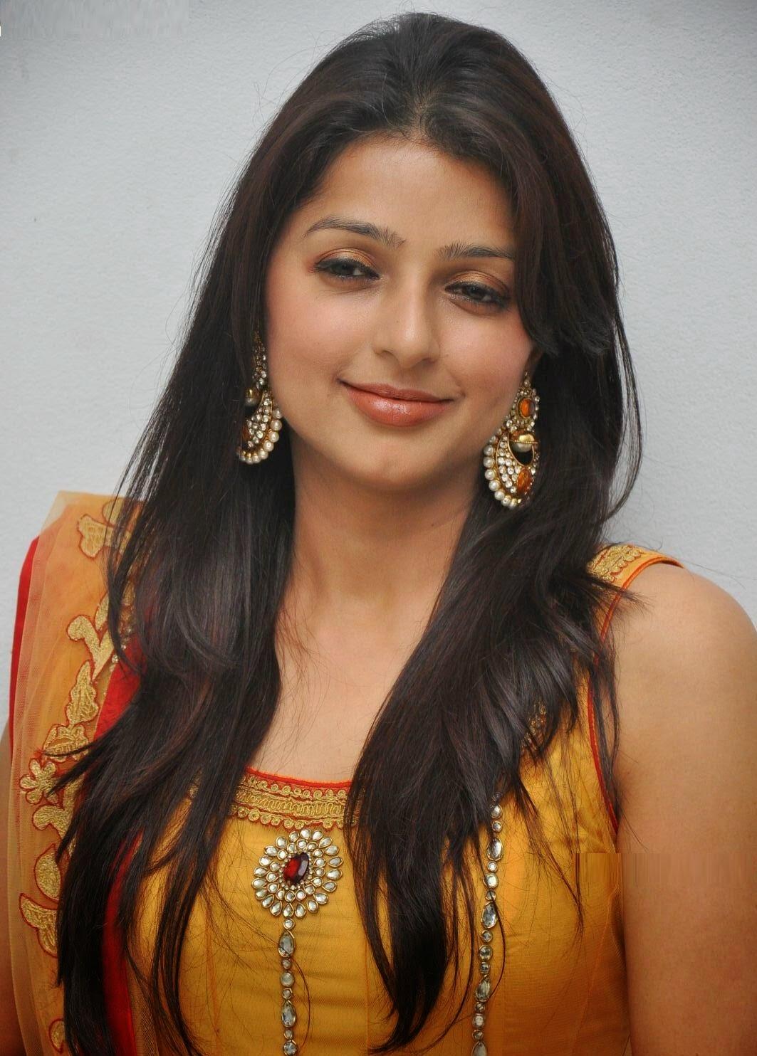 bhumika chawla hd photo