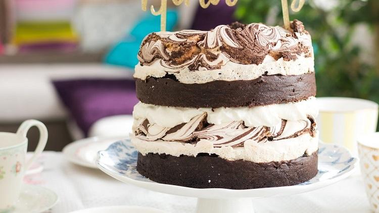 Torta esponjosa de Chocolate y Merengues