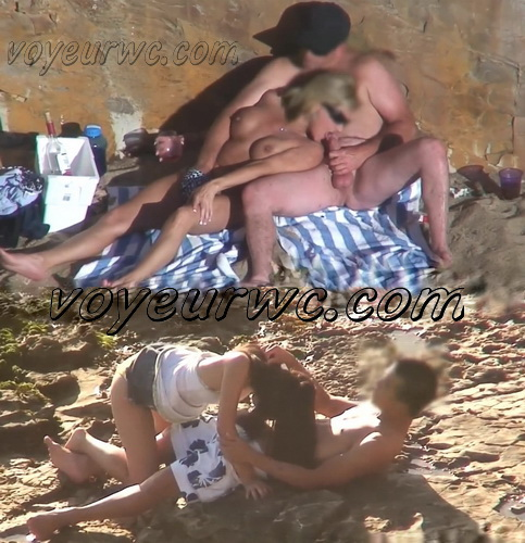 Beach Safaris Sex 21-22 (Sex On the Beach. Public Beach Sex Voyeur)
