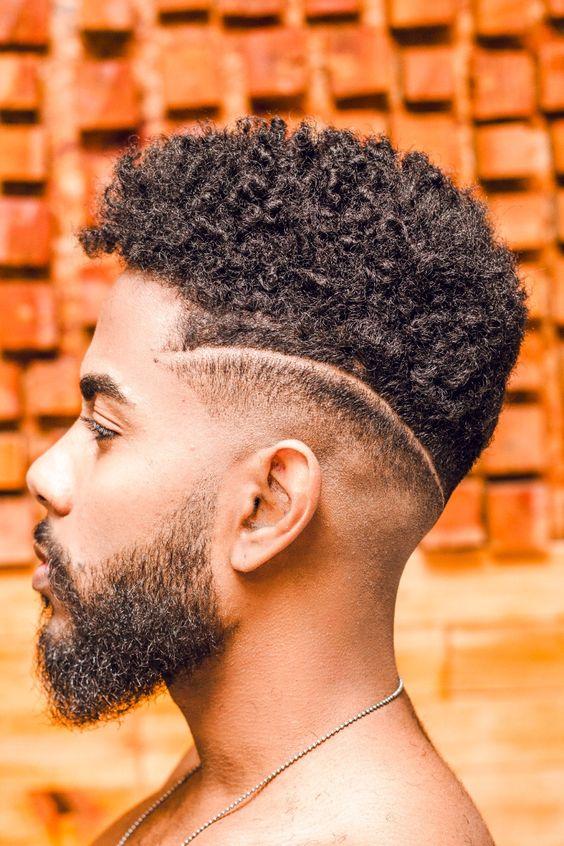 Corte de Cabelo Masculino Afro Crespo Riscado